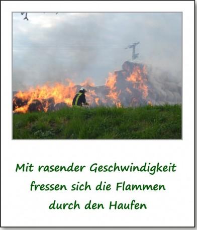 brennender-strohhaufen-02