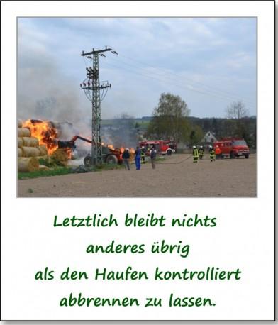 brennender-strohhaufen-05