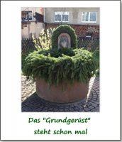 Aufbau Osterbrunnen am Anger
